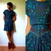 Vtg Bold Paisley Printed Green Belted SS Dress