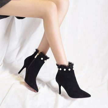Lace Beadings Decorate Pointed Toe Side Zipper Middle Heel Short Boots Party Shoes