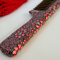 Red, White, Black and Gray Petite Flowers on the Wooden Comb, Natural Beech....