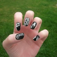 Halloween Nail Art, Black And White, Skulls, Ghosts, Spiderweb, False, Fake, Acrylic Handpainted, Press On Nail Set