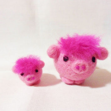 Needle Felted Pig - mum and baby pigs - 100% Merino wool - pair of felt pigs - wool felt pigs - Mothers Day gift