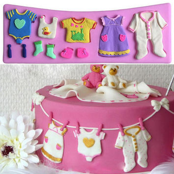 1 PC Pop 3D Baby Clothes Shower Silicone Mould Fondant Kitchen Cake Mold for Chocolate Baking Tool