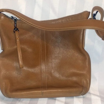 100% Authentic Vintage Women's Coach Genuine Leather Tan Shoulder Handbag Purse