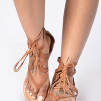 Twist & Shout Sandal - Camel