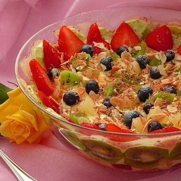 Recipes - A Classic Summer Fruit Trifle