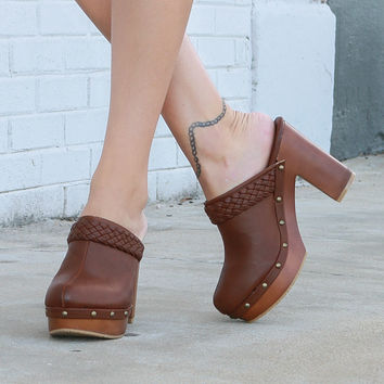 MODEL SALE SZ 6.5 In A Spell Chestnut Slip-On Studded Platform Clogs
