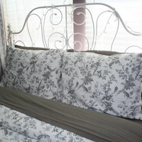 (Brand New) Full/Queen Duvet Set Grey and White Bedding Must See