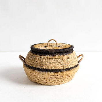 Vintage Natural Small Woven Rattan Basket with Lid and Black Trim