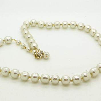 Lovely Miriam Haskell Large Glass Pearl Classic Necklace