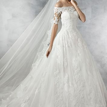 Pronovias Pleasant Off the Shoulder Tulle & Lace Ballgown (In Stores Only) | Nordstrom