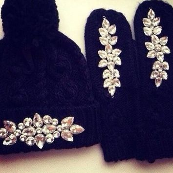 Cute  Gloves knitted hat two piece suit