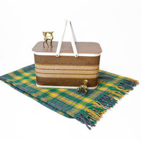 sale 20% off - Vintage Summer Picnic Basket