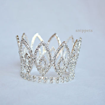 The Evalynn - Mini Rhinestone Crown - newborn photography prop, newborn prop, newborn crown, princess crown