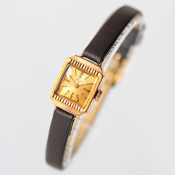Art deco style women watch small, gold plated lady watch square, retro fashion watch Ray, classic girl watch gift, new premium leather strap