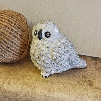 Vintage Snowy Owl, White With Black Accented Feathers, Owl Bird Home Decor, Adorable Kitsch Figure, Felt Bottom