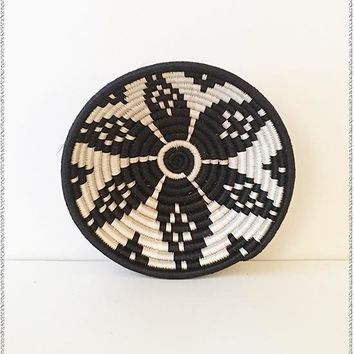 Black + White Ikaze Basket