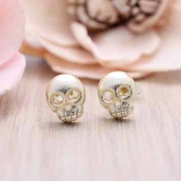 925 sterling silver  gold plated skull stud earrings