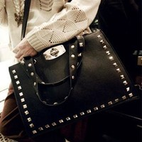 retro punk  rivet shoulder handbag