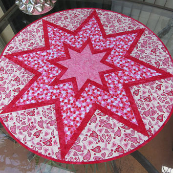 Quilted Table Topper Valentine Pink Hearts Quilt 677