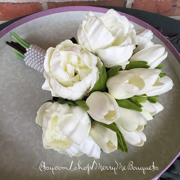 Wedding bouquet. White tulips and white peonies. True touch bouquet. Real touch bouquet. True touch bouquet.