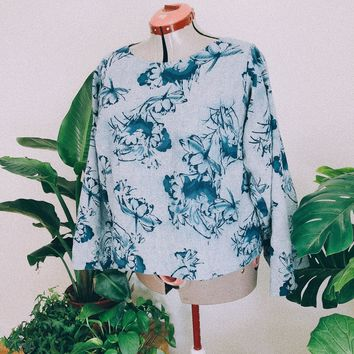 Water Lilly Blue Belled Top