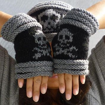 Knitted Fingerless mittens-Fingerless Gloves-Wrist warmer with skull and cross bones