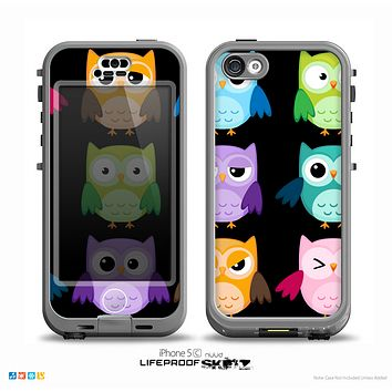 The Emotional Cartoon Owls V2 On Black Skin for the iPhone 5c nüüd LifeProof Case