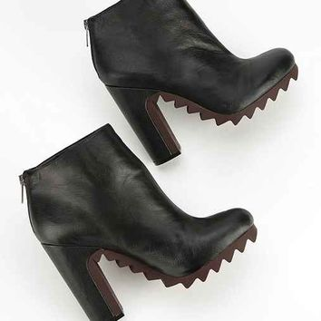 Circus By Sam Edelman Kensley Extreme Tread Leather Ankle Boot- Black