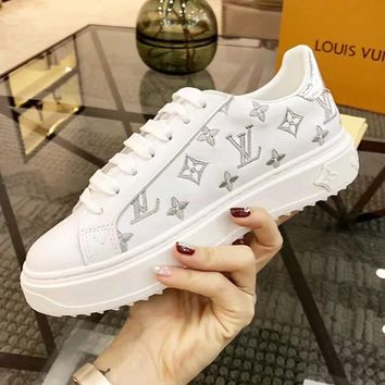 LV Louis Vuitton Fashionable Woman Leisure Leather Shoes Flats Sneakers White/Silvery