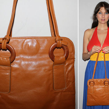 Vintage 60s MOD Leather Purse / Cognac Brown / Wood Circle Straps / Boho Shoulder Bag / Groovy Handbag