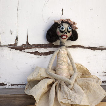 Halloween ballerina - Dia de los muertos creepy dancer -Scary skeleton doll, mexican style, Collectible mixed media - needle felted art doll