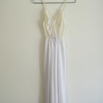 Bridal White Sheer Lace Nightgown Vintage 70s XS