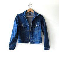 vintage 80s Lee dark wash jean jacket. Cropped denim jean jacket.