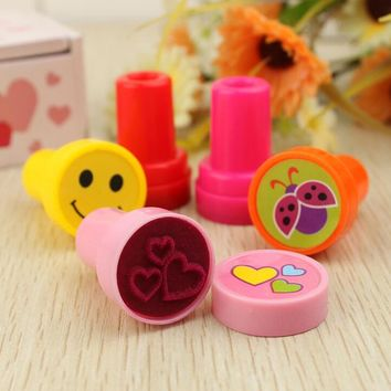 6PCS Self-ink Stamps Kids Party Favors Supplies for Birthday Christmas Gift Boy Girl Goody Bag Pinata Fillers Fun Statione