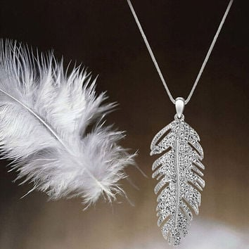 Fashion Bohemian Love Feather Wing Elegant Ladies Chain Pendant Necklace Jewelry