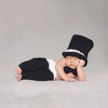 Newborn Baby Photography Props Soft Handmade Crochet Knit Cute Cap And Pants Set Black Color For Baby 0-3 Months