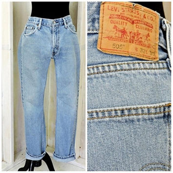 Vintage Levis 505 jeans 32 X 30 size 8 / 9 / LEVI'S  100% cotton / high waisted medium wash straight fit / boyfriend jeans