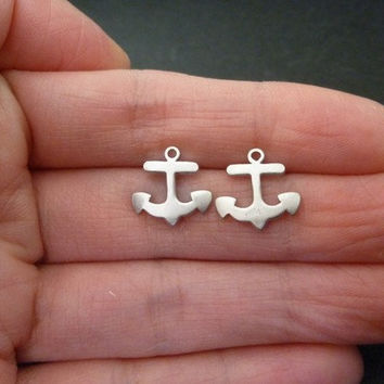 anchor stud earrings in silver-gold anchor earrings-anchor studs-anchor earrings-anchor studs in gold-gold anchor studs-gold stud earrings
