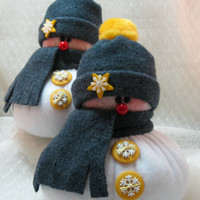 SNOWMAN DECORATION, Set of 2 Snowman Ornaments, Christmas Decoration, Christmas Ornaments, Fleece Snowmen, Stuffed Snowmen, Grey with Yellow