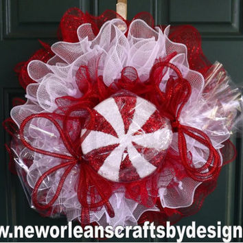 Holiday Peppermint Red and White Deco Mesh Ruffle Wreath