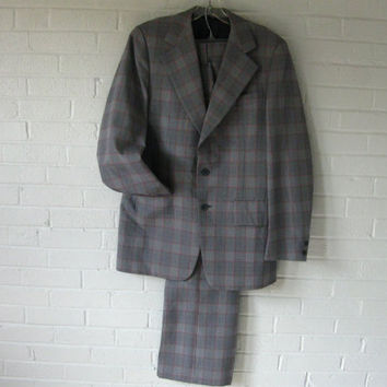 "1970s Mens Plaid and Houndstooth Suit. Size Small/Medium. 31"" waist."
