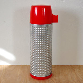 Vintage Aladdin Dimpled Metal and Red Plastic Thermos , Glass Lined , 1950s Mid-Century, Pint Size